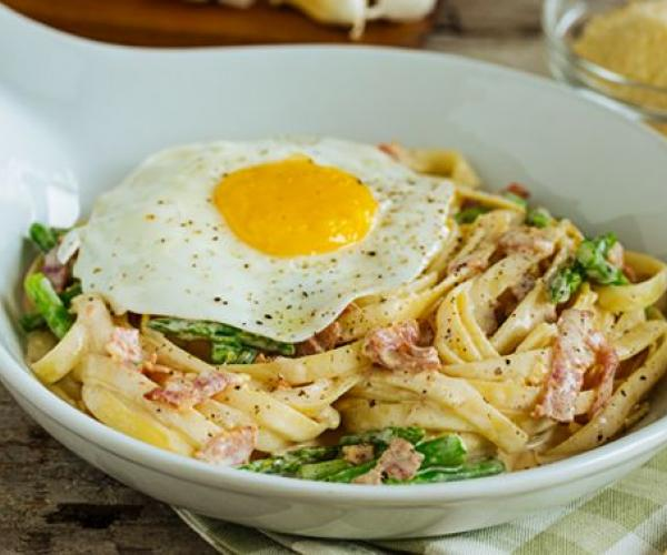 Extra Delish Creamy Bacon and Egg Pasta