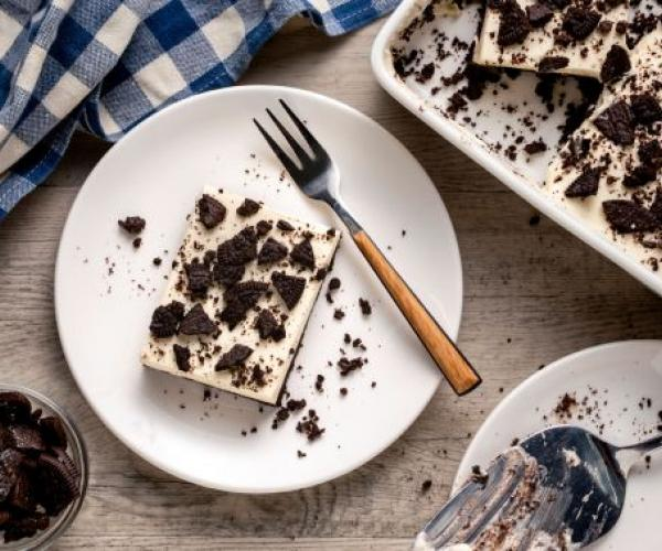 Easy Cookies and Cream Cheesecake