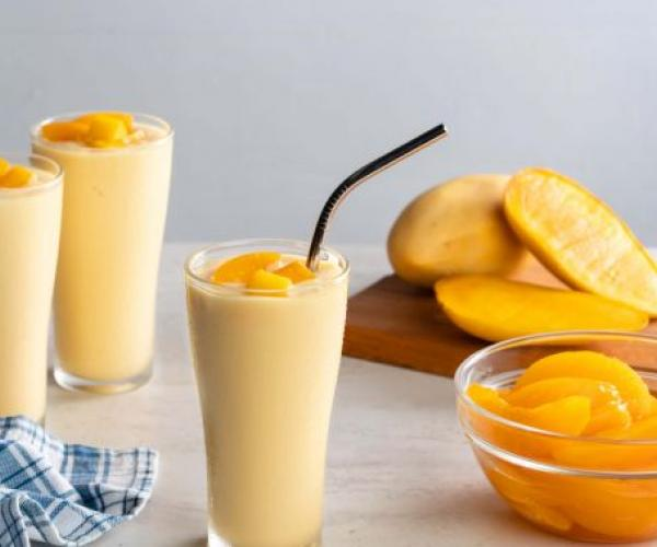 Peach and Mango Smoothies