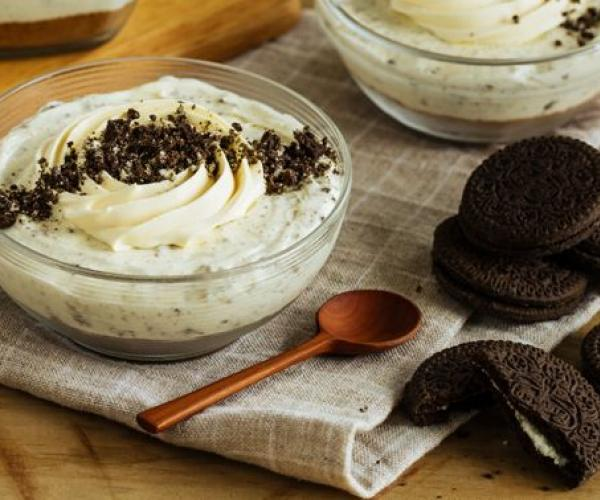 Mmmidnight Cookies and Cream Panna Cotta