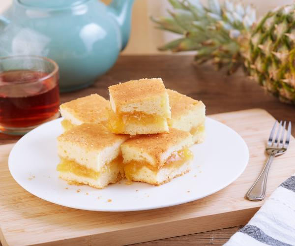 Creamy Pineapple Cake